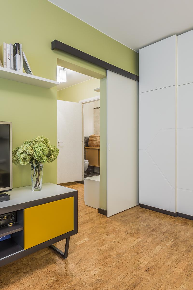 Buto interjero dizainas, slankiojančios durys